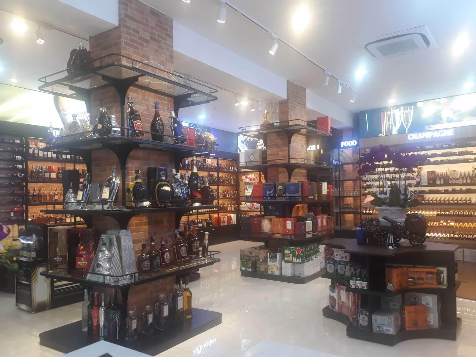 Hình 3. Chỉ nên mua rượu Chivas 30 tại các địa chỉ uy tín trên thị trường