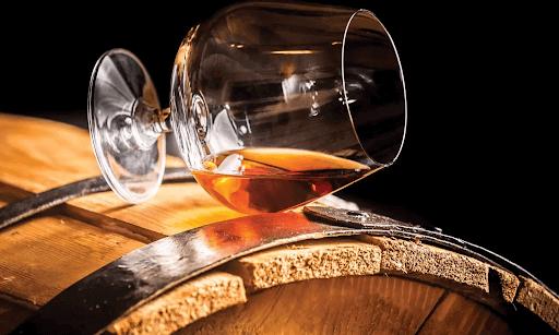 Hình 2. Rượu có màu cánh gián, đậm đà vị cam thảo và mật ong