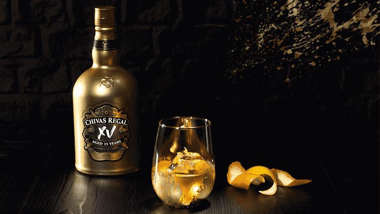 """Chivas 15 được """"tôi luyện"""" trong những thùng Champagne Cognac gỗ sồi cao cấp nhất"""