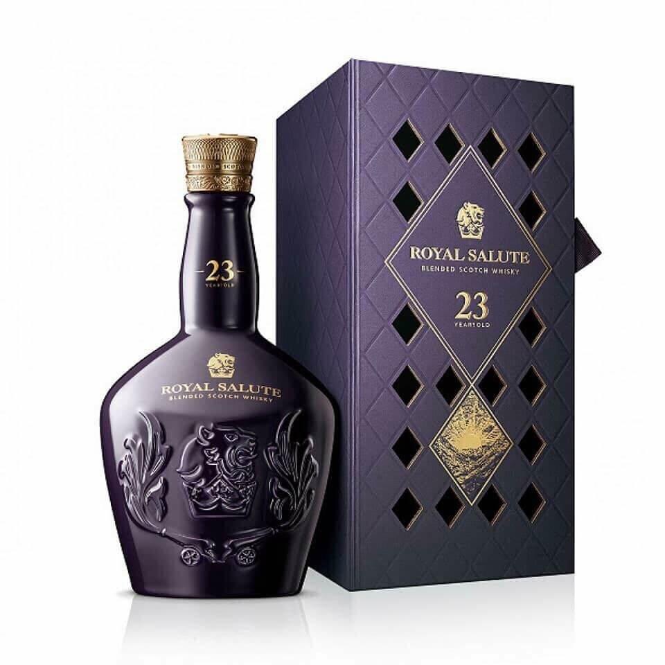 Hình 3. Mức giá hợp lý cho loại rượu đẳng cấp thế giới như Chivas Royal Salute 23