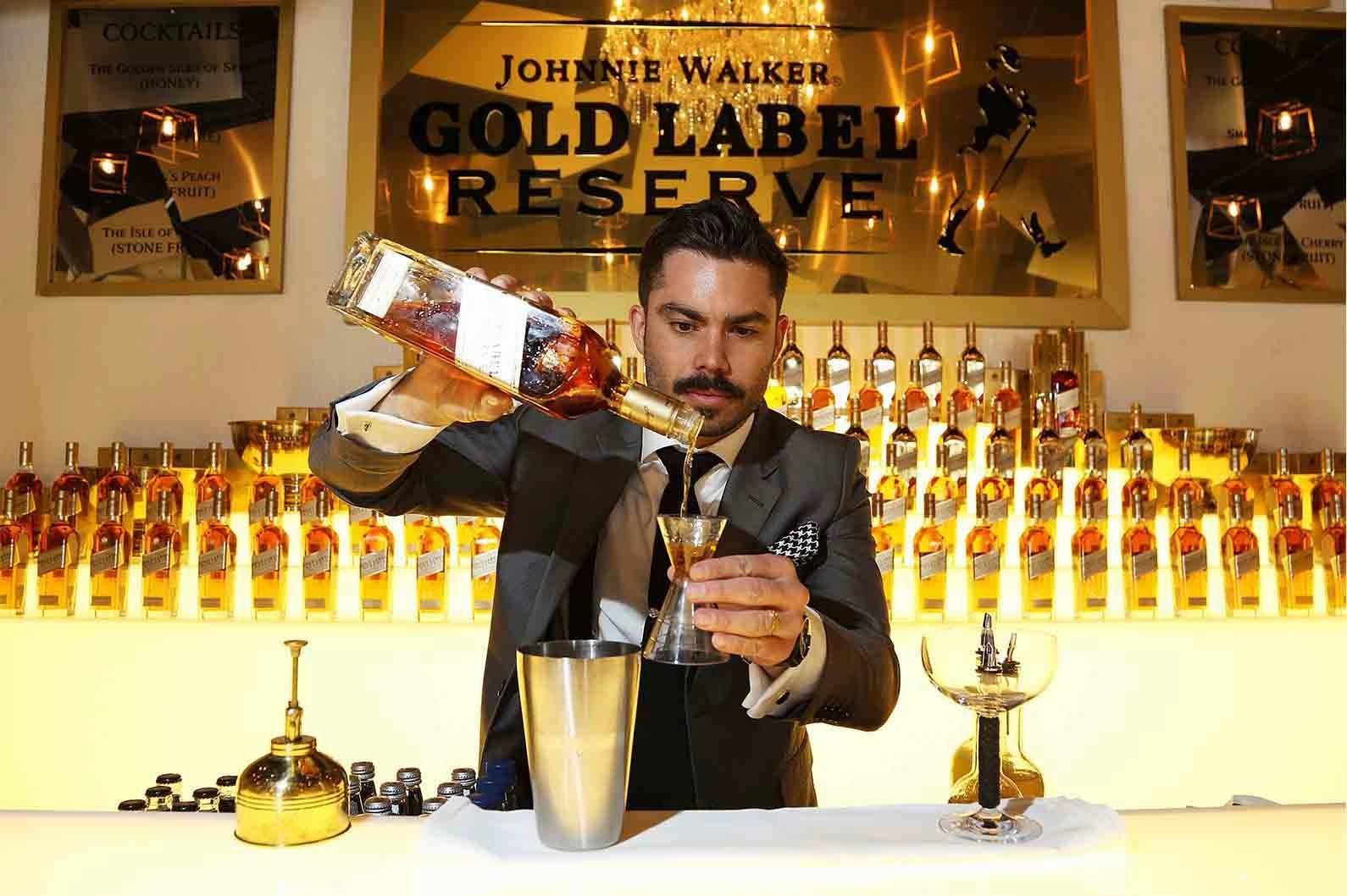 Pha chế rượu Gold Label Reserve