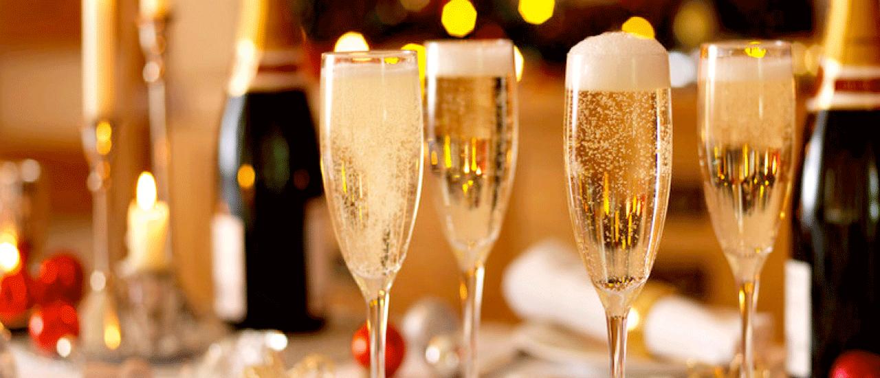 Vang / Champagne / Nước Trái Cây