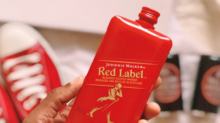 Rượu Johnnie Walker Red Label Pocket Scotch