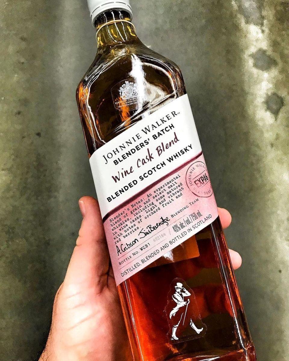Rượu Johnnie Walker Wine Cask 1000ml