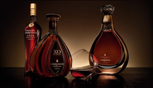 XO(viết tắt của từ Extra Old): rượu eaux-de-vie được ủtối thiểu 10 nămnhưng thường được ủ lên đến 20 năm để đạt đến chất lượng mong muốn