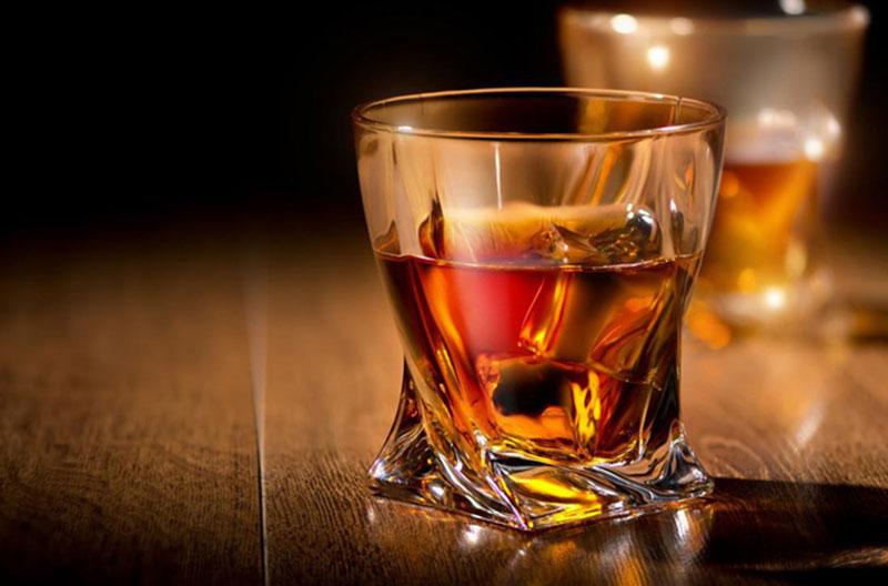 Whisky là gì ? Cách sản xuất và phân loại như thế nào